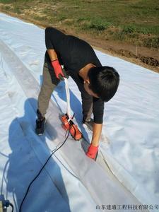 复合土工膜焊接施工